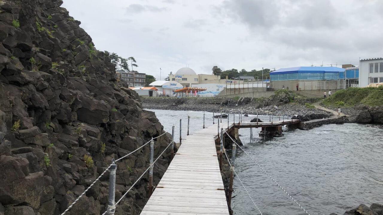 越前松島水族館の海へ続く回廊