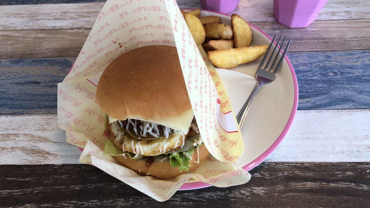 ボブズカフェのお手製ハンバーガーセット