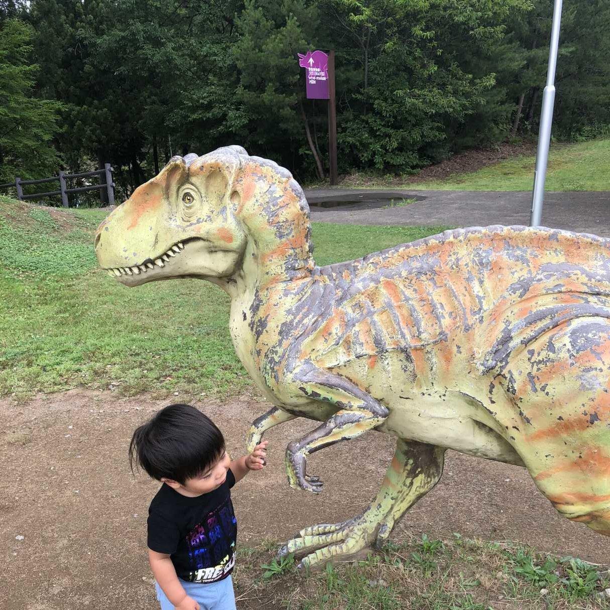 福井県立恐竜博物館外の恐竜